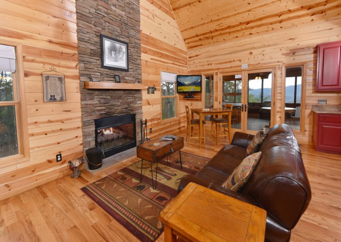 Pigeon Forge Cabin- Jackson's Cabin - Living Room