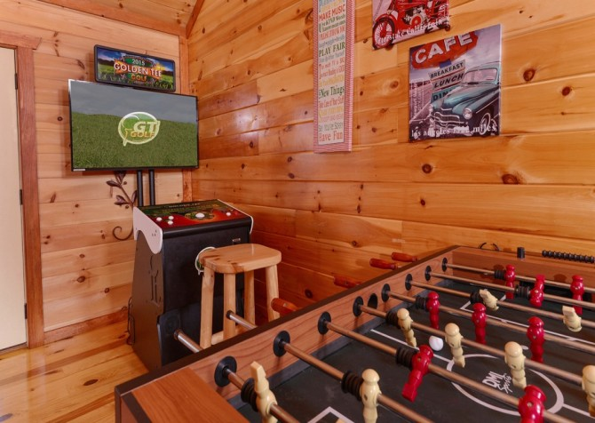 Pigeon Forge Cabin- Jennie's Cove - Foosball Table