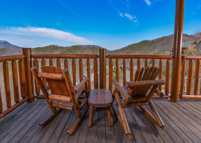 Pigeon Forge Cabin- Jennie's View - Deck View