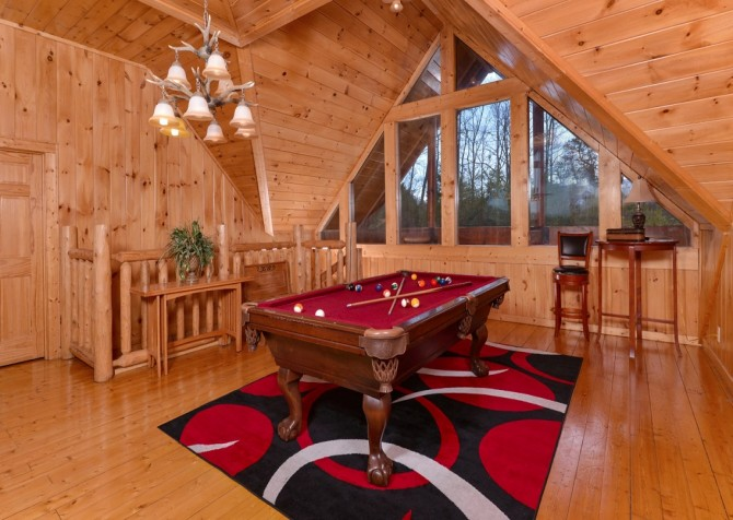 Pigeon Forge Cabin- Jennie's View - Pool Table