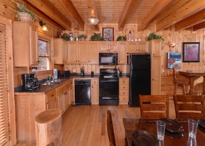 Pigeon Forge Cabin- Jennie's View - Kitchen