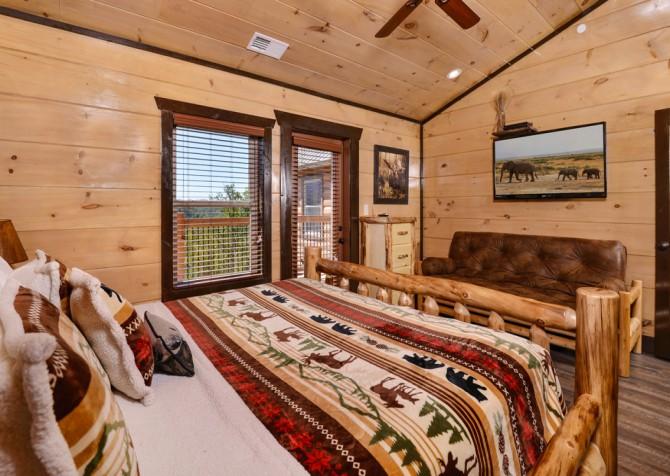 Pigeon Forge - Luxury Lodge - Bedroom Four