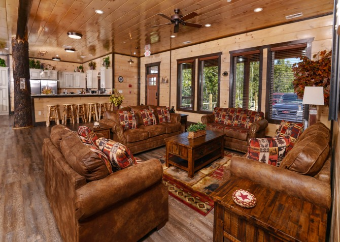 Pigeon Forge - Luxury Lodge - Living