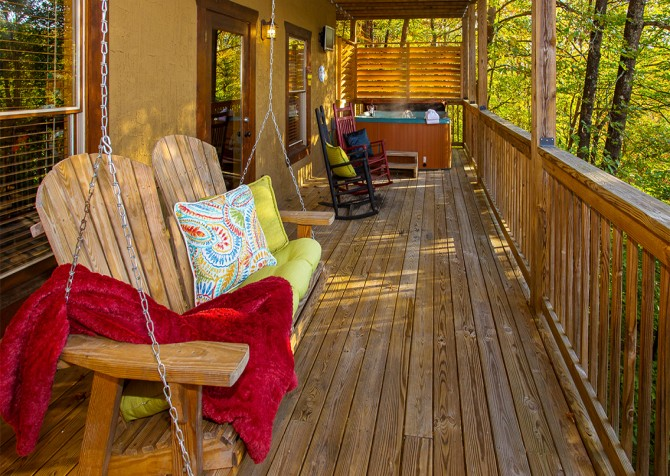 Pigeon Forge - Majestic Forest - Covered Deck