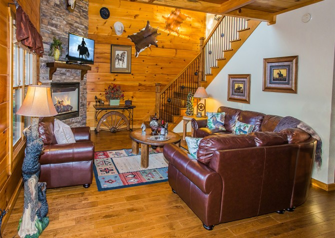 Pigeon Forge - Majestic Forest - Living Room