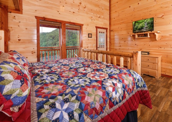 majestic create your own bedroom games. Pigeon Forge Cabin  Majestic Mountain Water Bedroom Cabins
