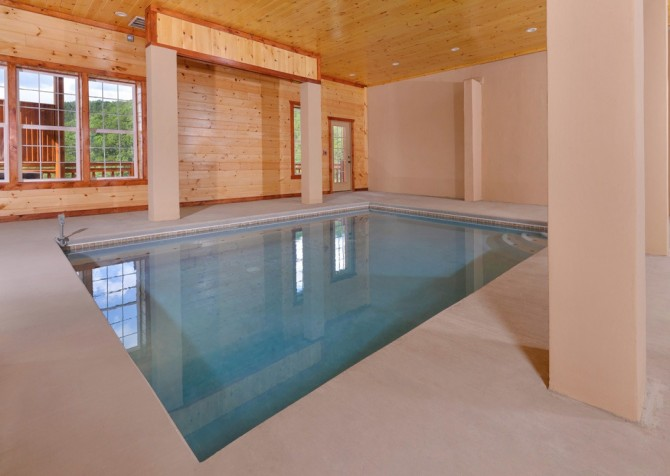 Pigeon Forge Cabin - Majestic Mountain Water - Pool
