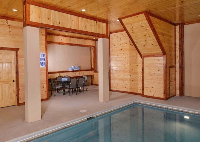 Pigeon Forge Cabin - Majestic Mountain Water - Private Pool