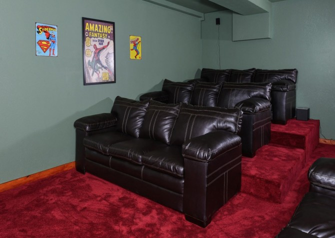Pigeon Forge Cabin - Majestic Mountain Water - Theater Room