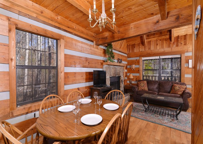 Pigeon Forge - Making Memories - Dining Room