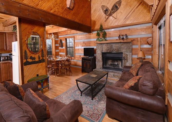 Pigeon Forge - Making Memories - Living Room