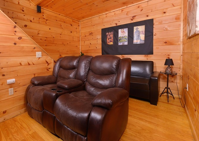Pigeon Forge - A Moment in Time - Theater Room