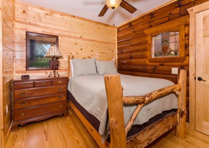 Pigeon Forge - Moondance -bedroom