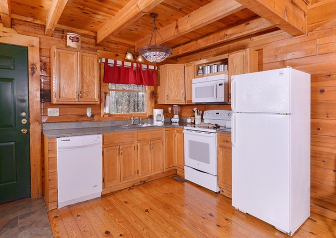 Pigeon Forge - Moondance -kitchen