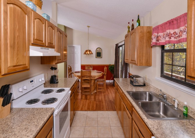 Pigeon Forge - Mountain Getaway - Kitchen