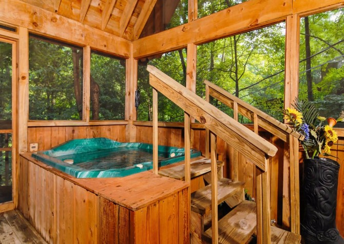 Pigeon Forge - A Mountain Surprise - Hot Tub