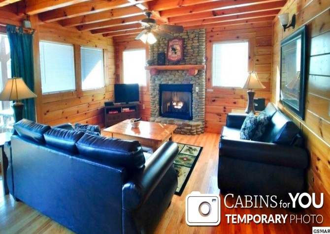 Pigeon Forge - Mountain View - Living Room Temp
