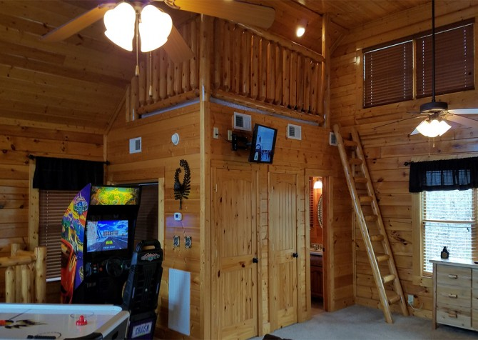 Pigeon Forge - Mountaintop Lookout - Rec Room