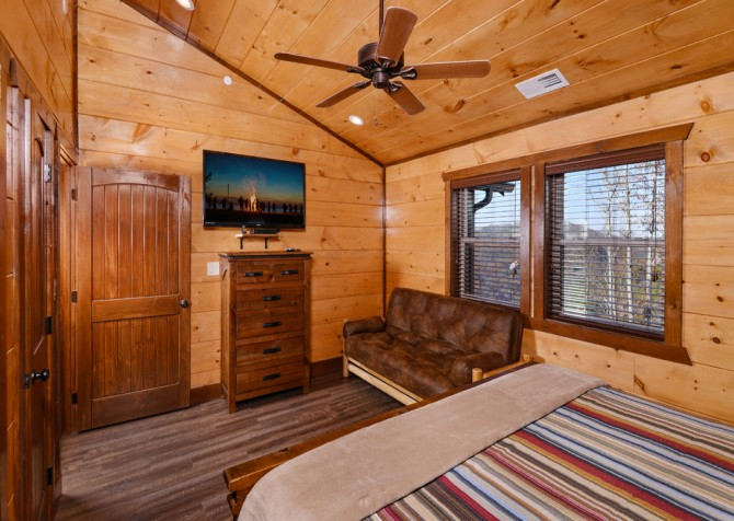 Pigeon Forge - Mountview Paradise - Bedroom Seven TV