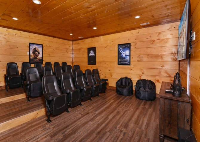 Pigeon Forge - Mountview Paradise - Theater Room