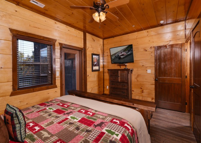 Pigeon Forge - Mountview Paradise - Bedroom Eleven TV