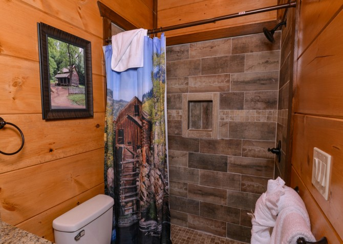 Pigeon Forge - Mountview Paradise - Bathroom One