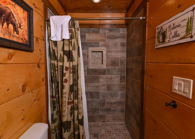 Pigeon Forge - Mountview Paradise - Bathroom Eight