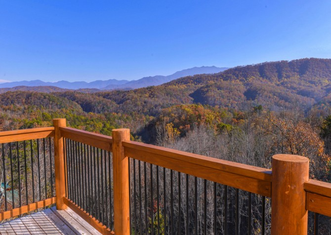 Pigeon Forge - Mountview Paradise - Exterior Deck View