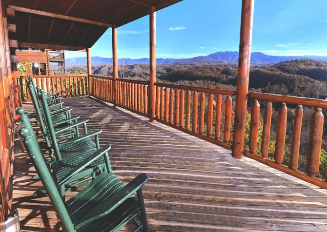 Pigeon Forge Cabin- Mt. LeConte Views Lodge – Rocking Chairs