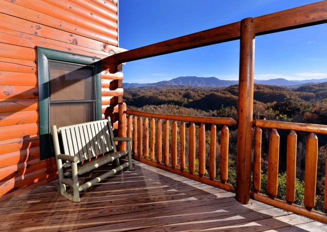 Pigeon Forge Cabin- Mt. LeConte Views Lodge – Deck