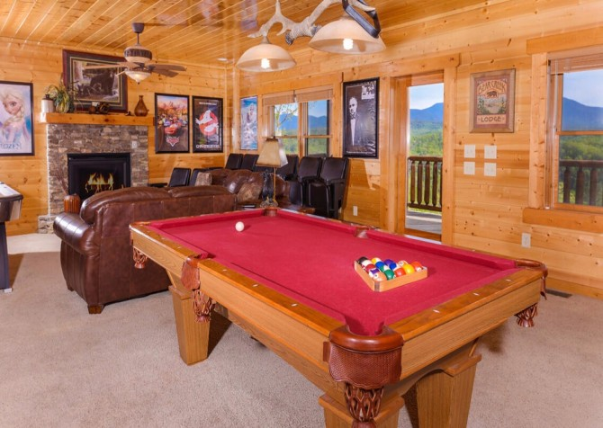 Pigeon Forge Cabin- Mt. LeConte Views Lodge – Pool Table