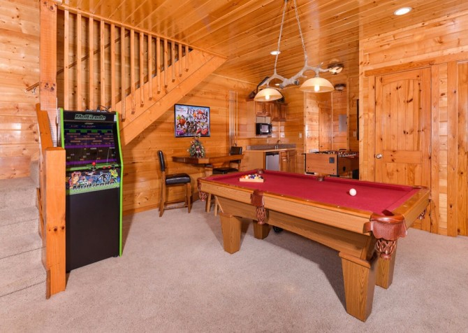 Pigeon Forge Cabin- Mt. LeConte Views Lodge – Game Room