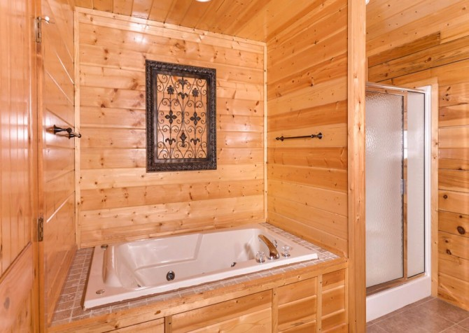 Pigeon Forge Cabin- Mt. LeConte Views Lodge –  Indoor Jetted Tub