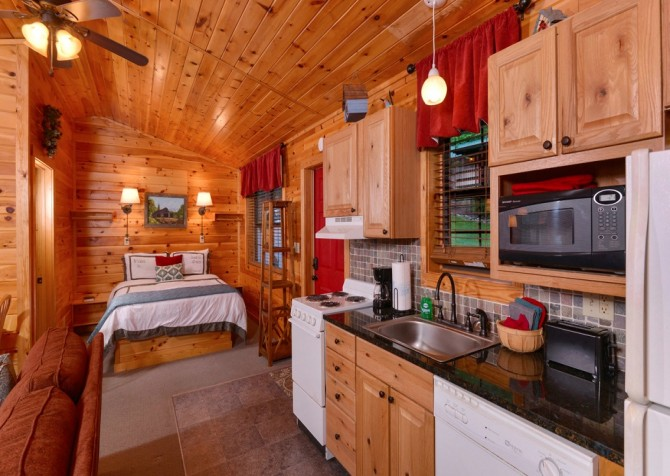 Pigeon Forge Cabin- My Cup Overflows – Kitchen
