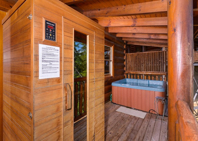 Pigeon Forge Cabin- Oh Yea – Outdoor Hot Tub and Sauna