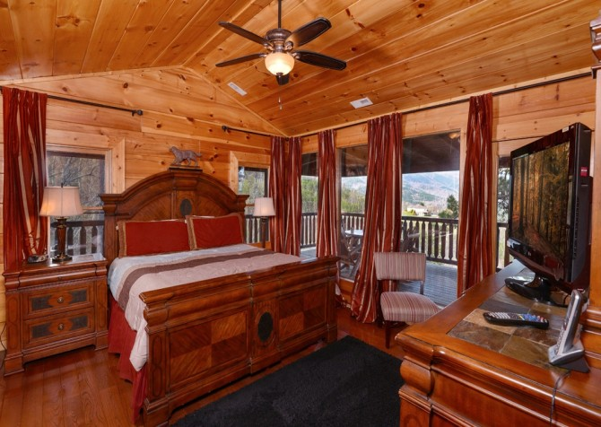 Pigeon Forge Cabin- Once Upon A View – Bedroom