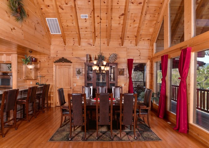Pigeon Forge Cabin- Once Upon A View – Dining Area