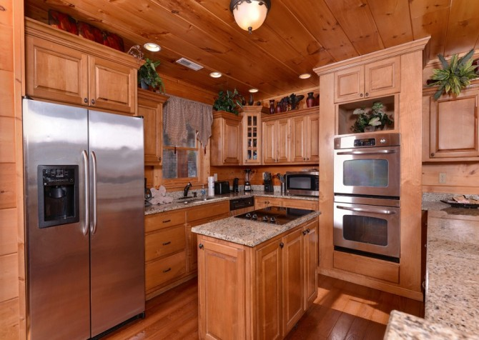 Pigeon Forge Cabin- Once Upon A View – Kitchen