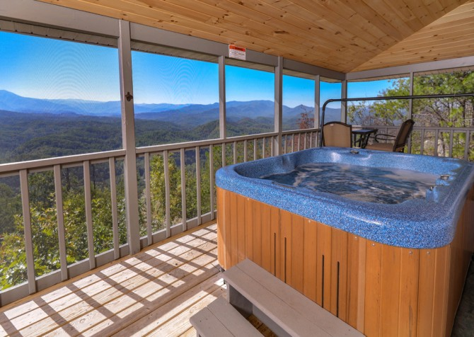 Pigeon Forge Cabin- Over The Top – Hot Tub