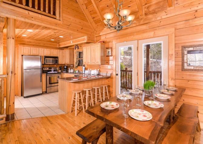 Pigeon Forge Cabin- Papa Bear Lodge – Kitchen