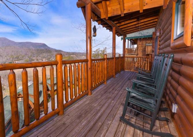 Pigeon Forge Cabin- Papa Bear Lodge – Deck Rocking Chairs