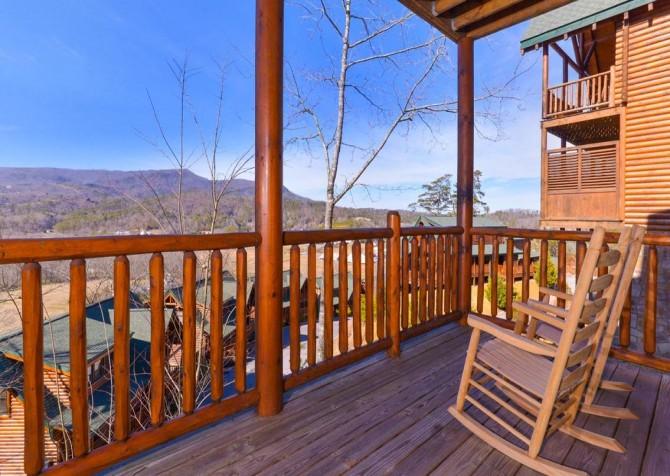 Pigeon Forge Cabin- Papa Bear Lodge – Rocking Chair View