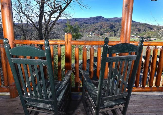 Pigeon Forge Cabin- Papa Bear Lodge – Deck Rocking Chair