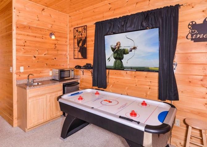 Pigeon Forge Cabin- Papa Bear Lodge – Air Hockey Table