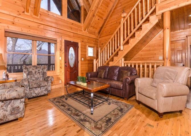 Pigeon Forge Cabin- Papa Bear Lodge – Living Room