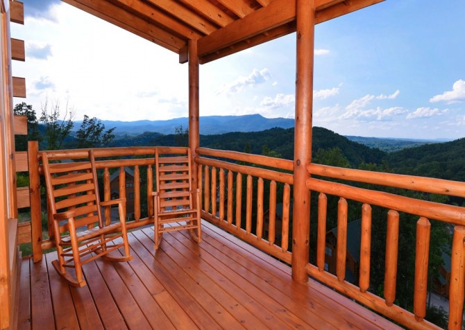 Pigeon Forge Cabin- Paradise in the Mountains – Deck View