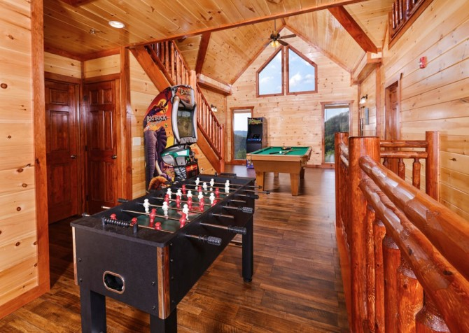 Pigeon Forge Cabin- Paradise in the Mountains – Foosball Table
