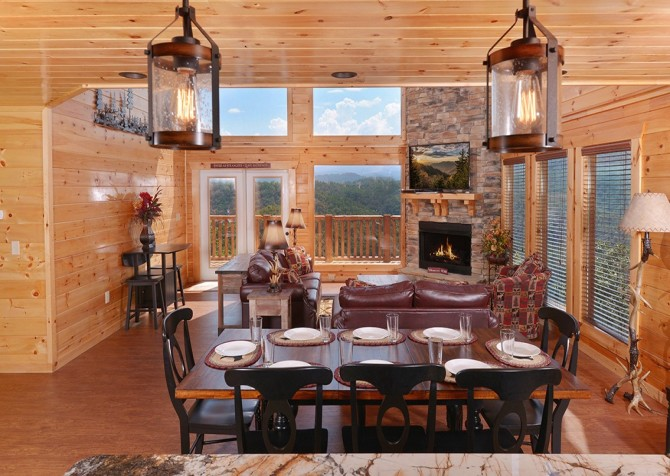 Pigeon Forge Cabin- Paradise Peak – Dining Area