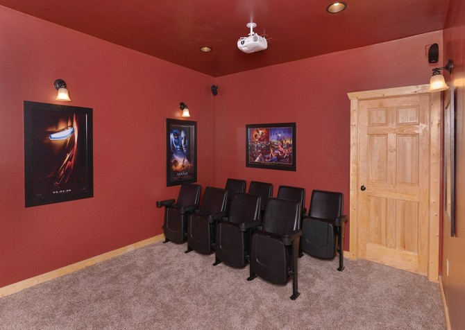 Pigeon Forge Cabin- Paradise Peak – Theater Room
