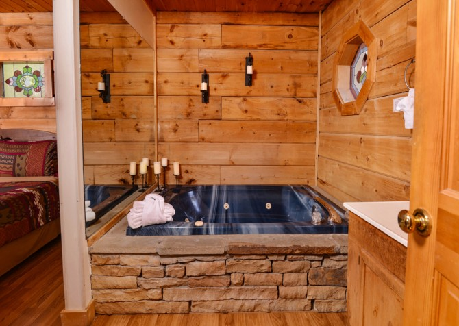 Pigeon Forge - A Perfect Paradise - Indoor Jetted Tub